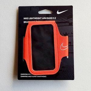 NWT Nike Lightweight Armband 2.0
